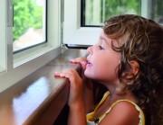 niña ventana